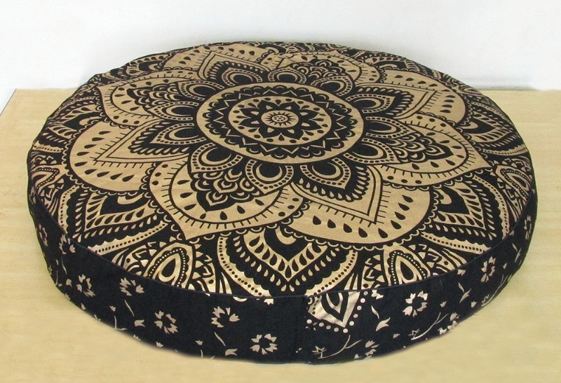 Black gold new pillow cover p1